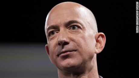 Jeff Bezos told the shareholders to sit down as a company that manages Covid-19