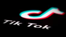 Nurses and doctors flocked to TikTok to solve jokes and lip synchronization. But did they erode the patient's problem? trust?