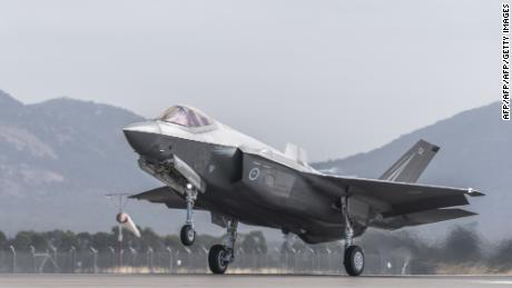 The Royal Australian Air Force F-35 plane took off during the Australian International Airshow at Avalon airport on 3 March 2017.