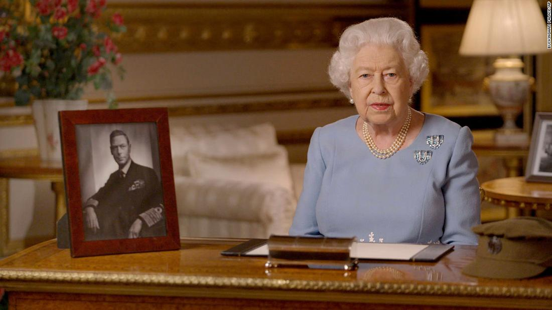 Queen Elizabeth compares the response of the British coronavirus with the wartime generation