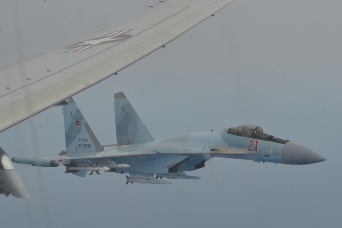 Video shows Russian planes intercepting US aircraft 'unsafe'