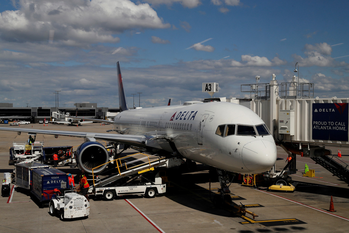 Delta is working with the union to eliminate 2,300 pilots
