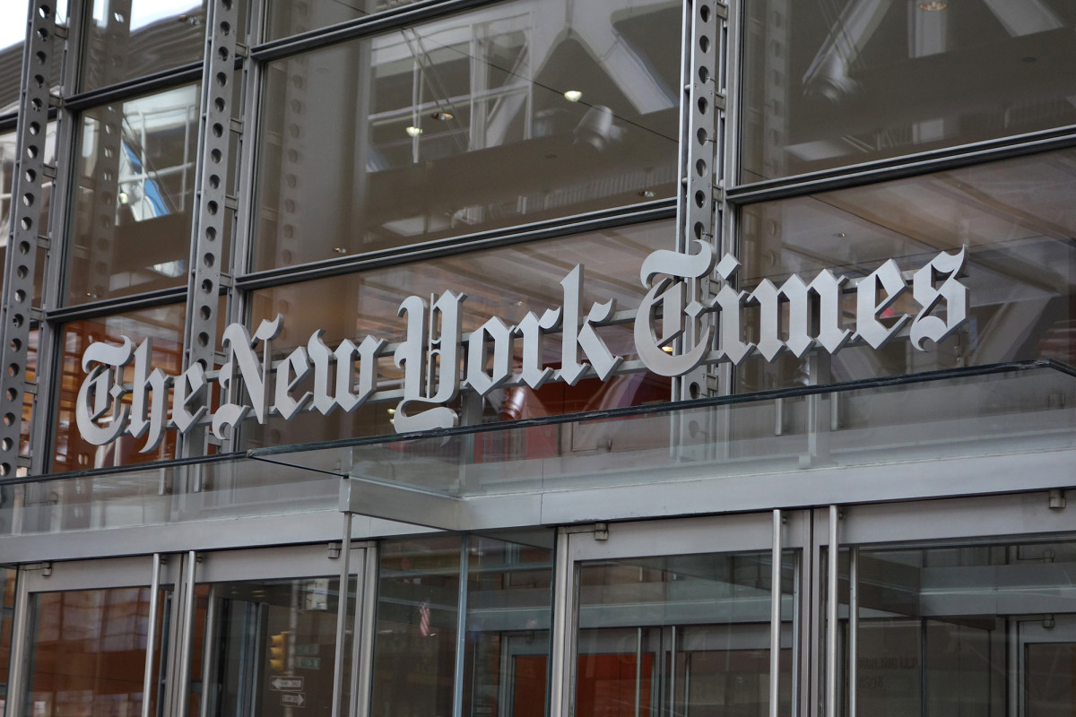 Following pressure from Democrats, the New York Times changes the headline
