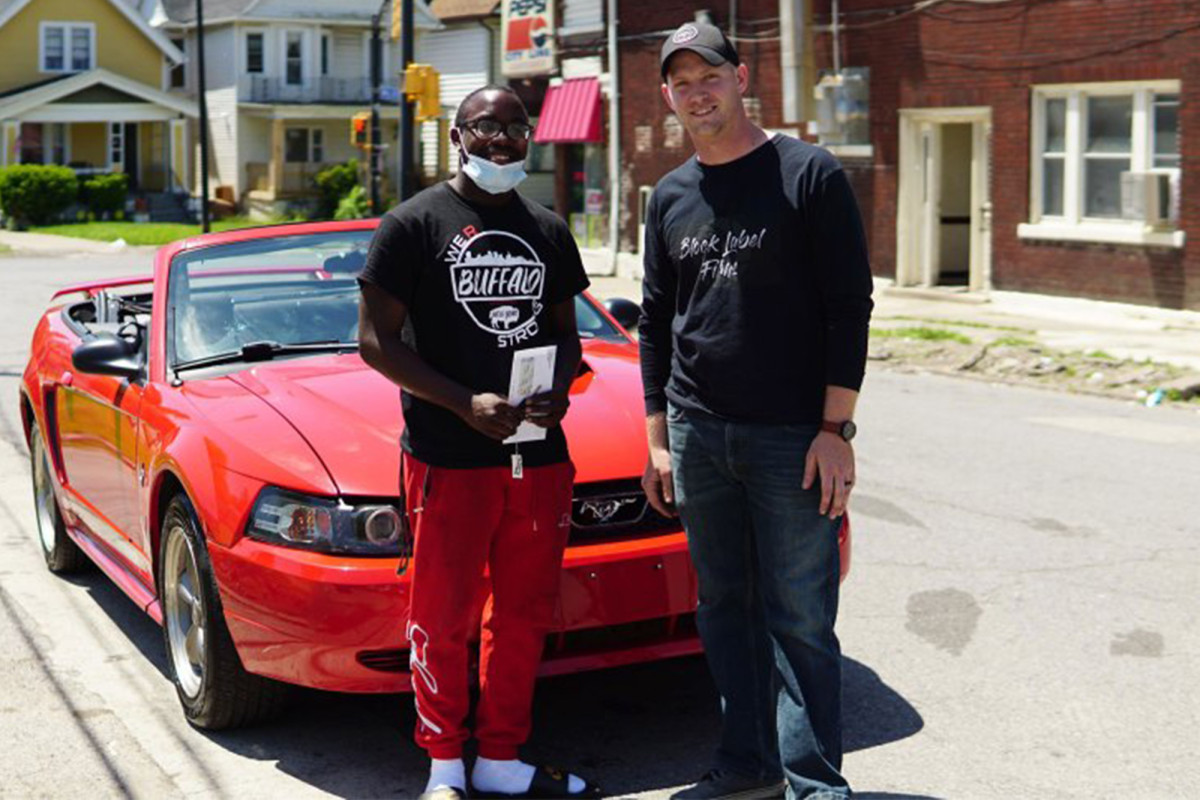 The buffalo teen car, which was cleaned up after the demonstrations, receives a scholarship