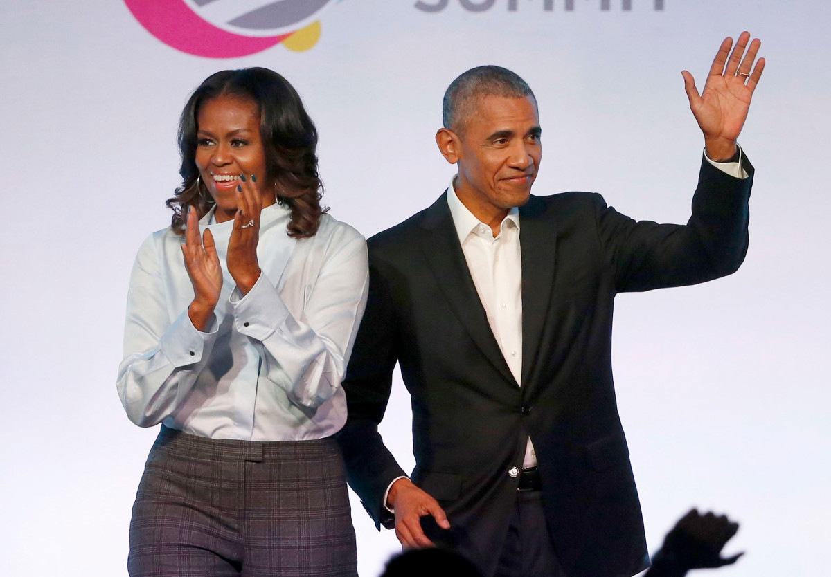 Obamas deliver speeches during the YouTube HS graduation ceremony