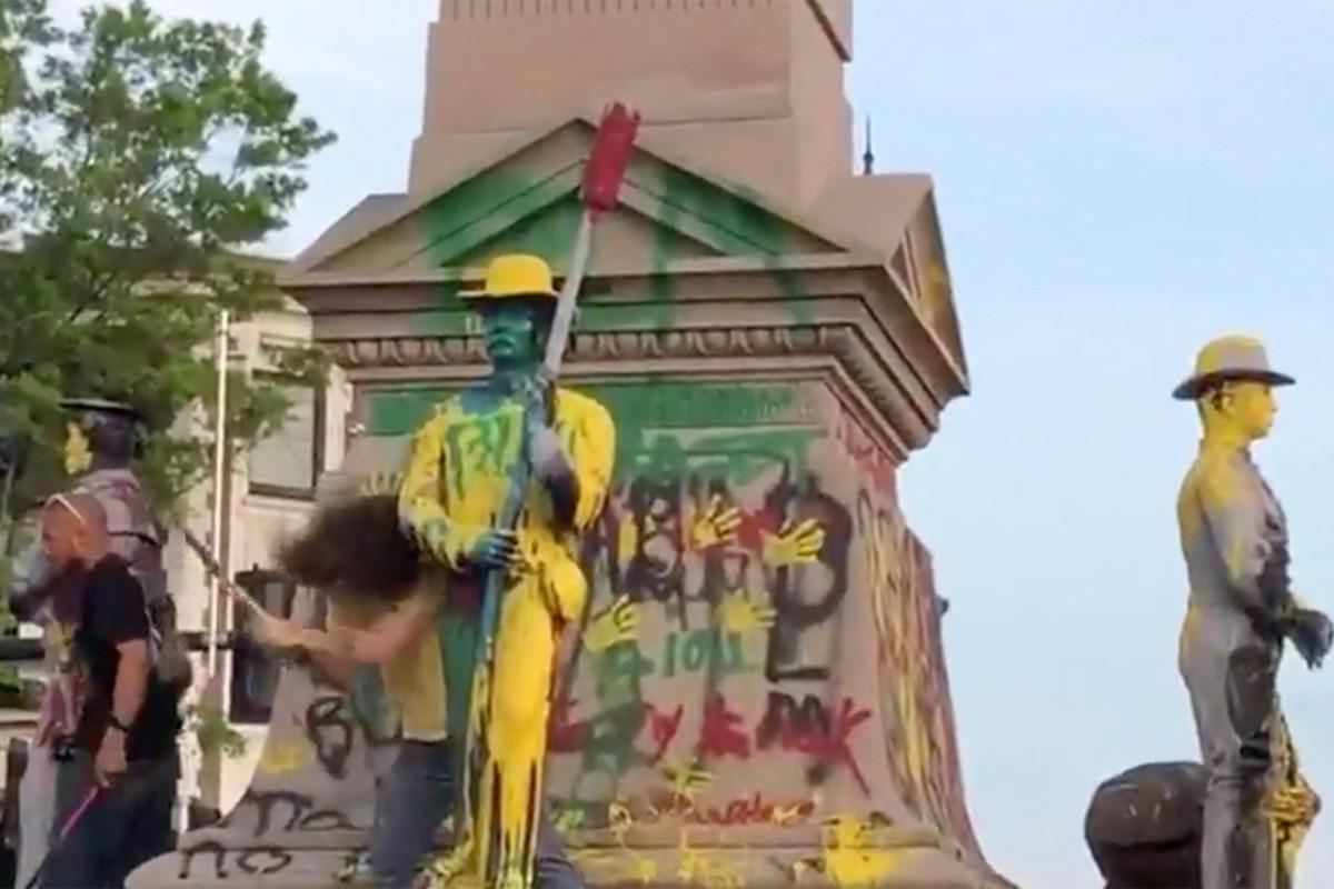 In Virginia, George Floyd protesters beheaded Confederate statues