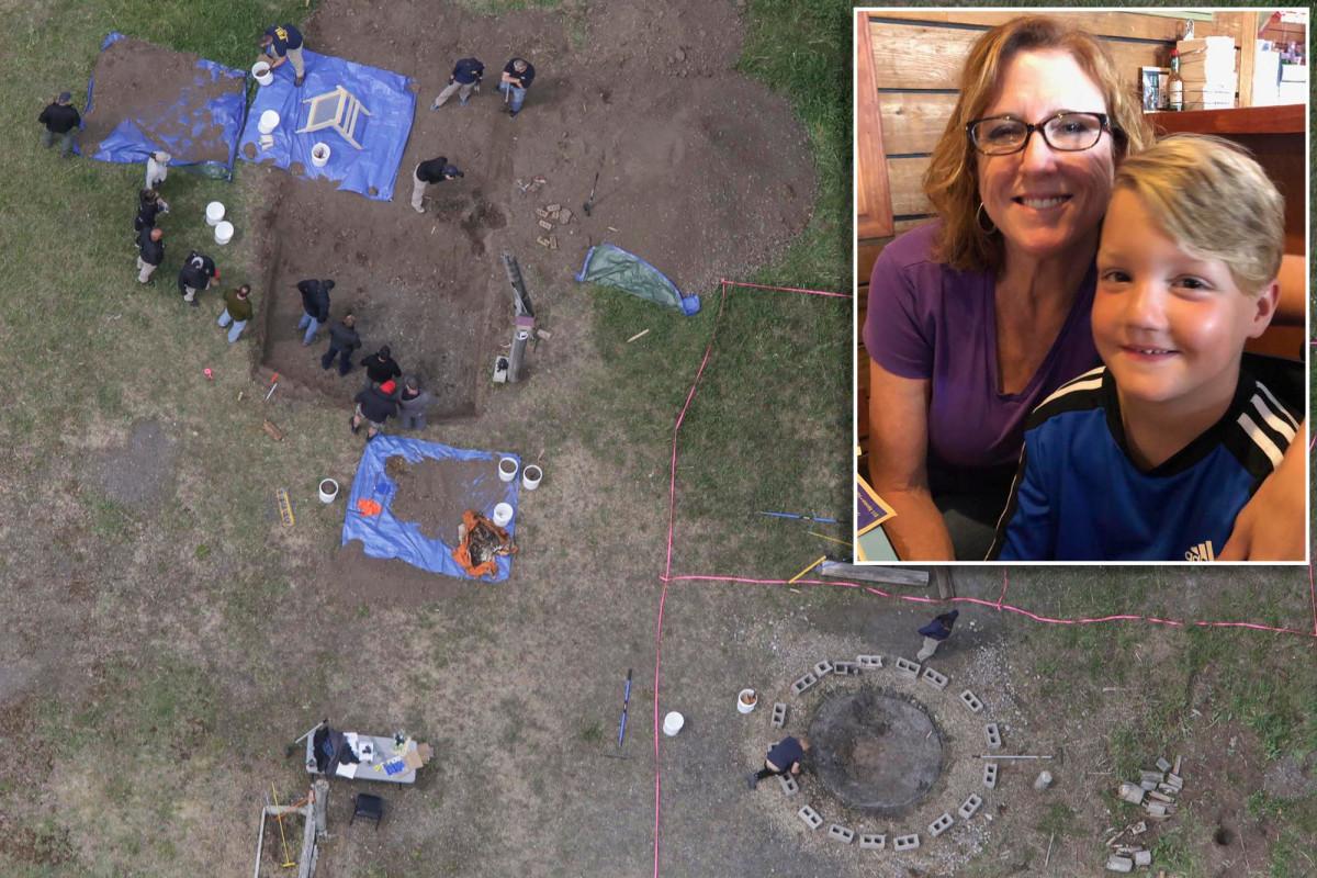 Lori Valo's son's grandparents visit site