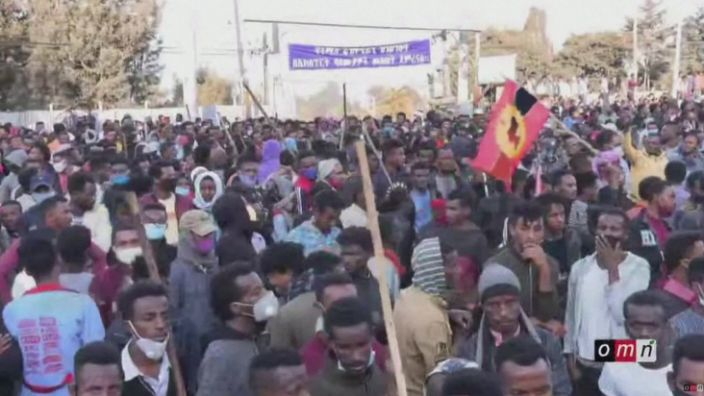 Crowds of people came out to mourn the singer in Addis Ababa