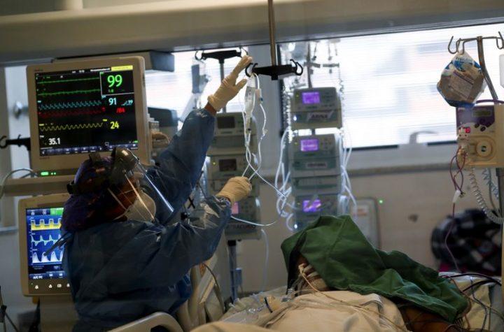 © Reuters. FILE PHOTO:  Outbreak of the coronavirus disease (COVID-19), in Sao Paulo