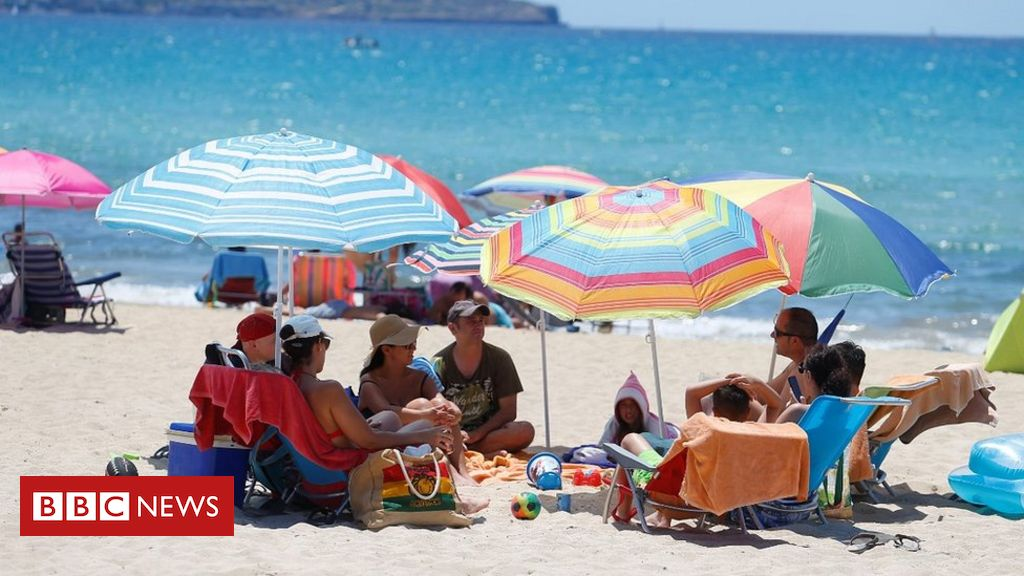 Coronavirus: Spain welcomes tourists back as emergency ends