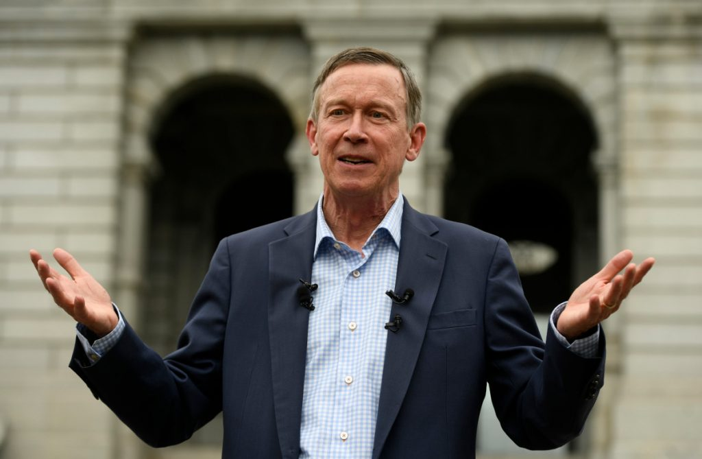 Hickenlooper apologizes for comparing politicians to slaves