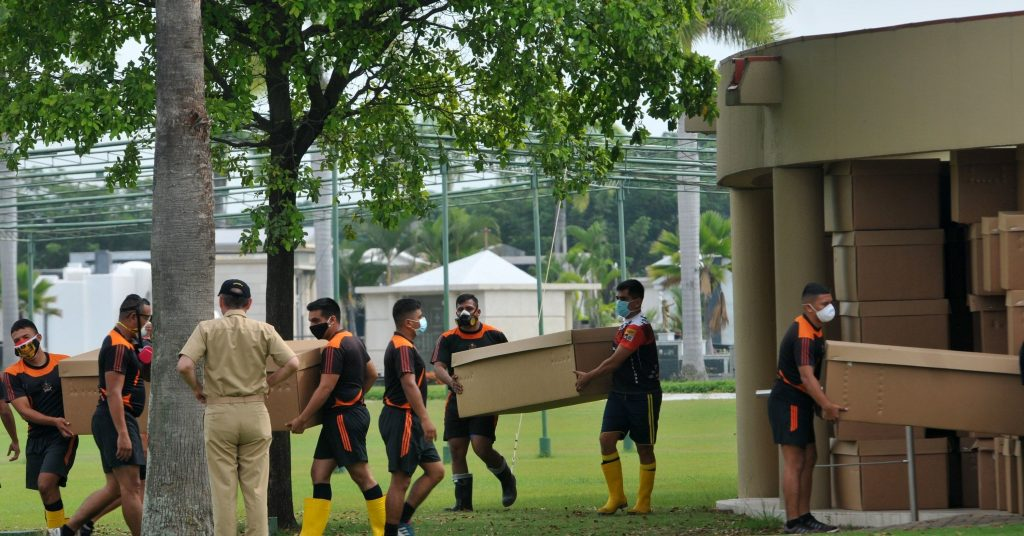 Families Are Left To Search For Their Relatives' Bodies In Guayaquil