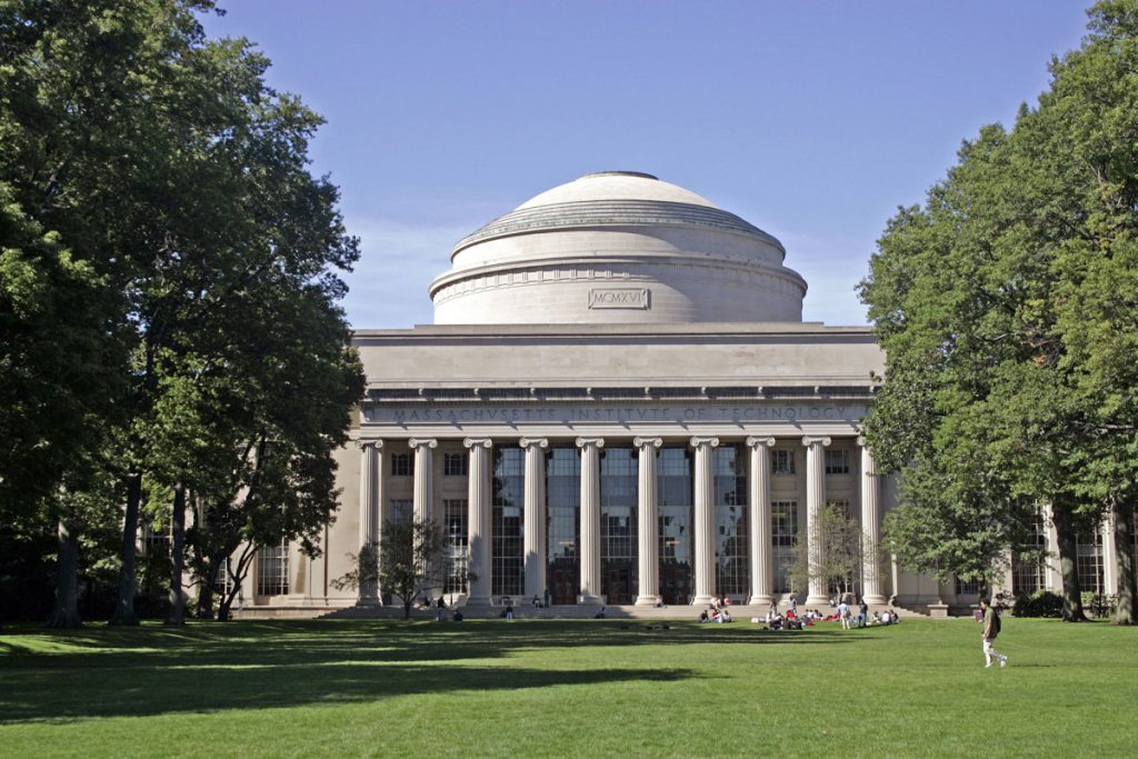 MIT chaplain resigns over email criticizing George Floyd