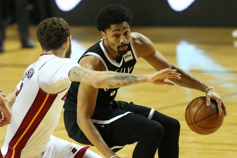 © Reuters. Basketball - NBA Global Games - Brooklyn Nets v Miami Heat