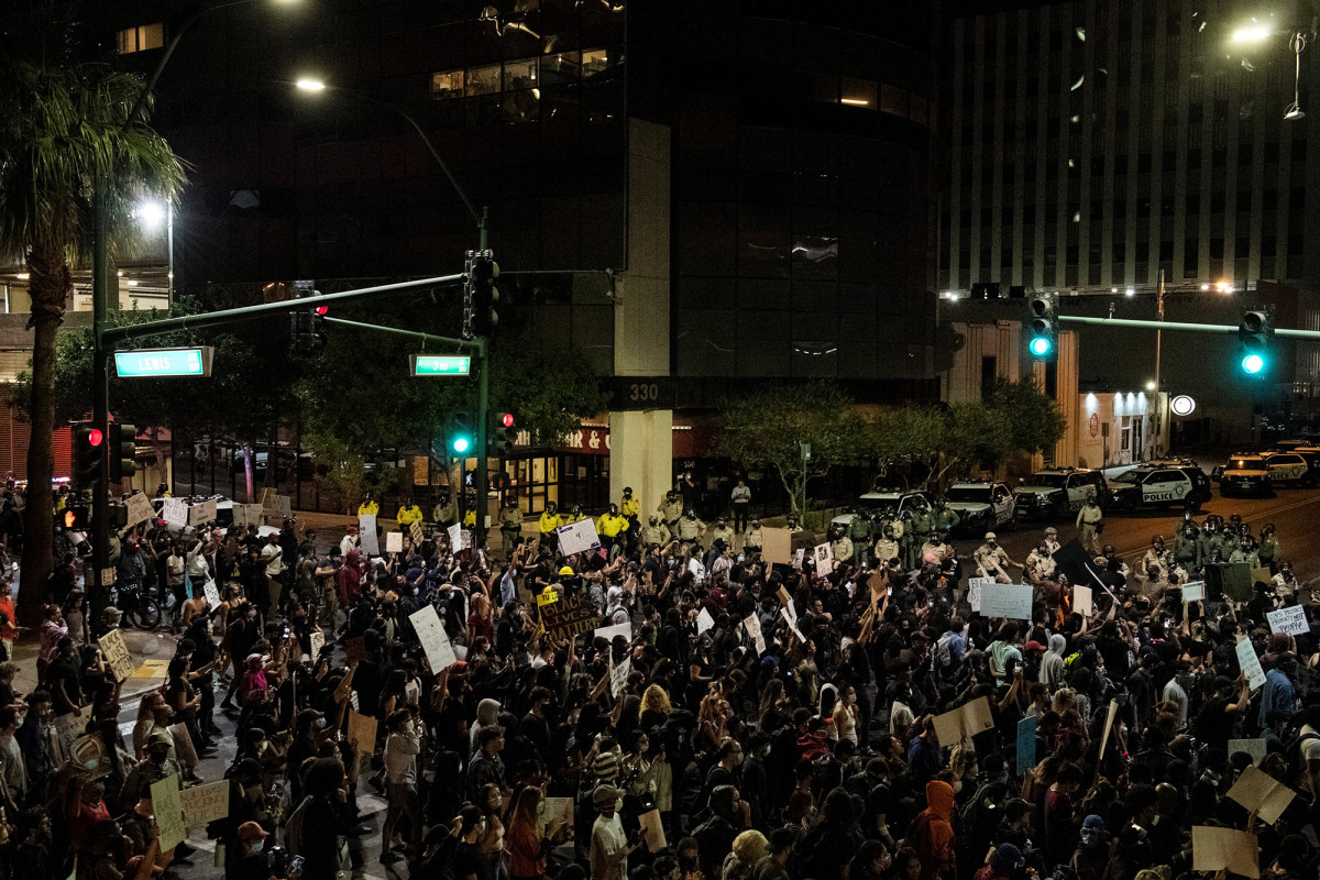 Right-wing extremists planned riots at Las Vegas protests: Feds
