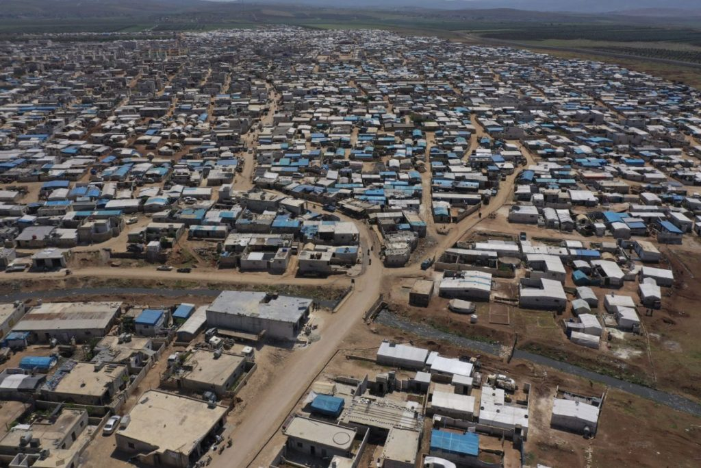 UN food agency calls for aid to prevent another Syria exodus