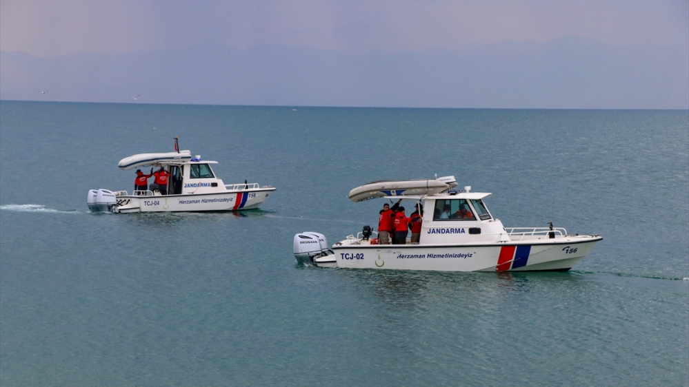 Turkey: Boat carrying up to 60 refugees sinks in Lake Van | Turkey News