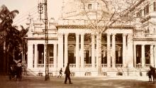 An HSBC office pictured in Hong Kong, circa 1903. The facility was built in 1886 with a portico and octagonal dome.