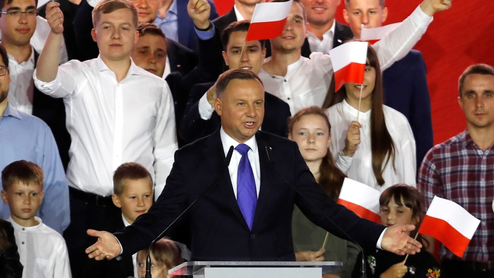 Exit poll shows Poland's presidential runoff too close to call | Elections 2018 News