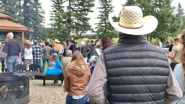 Hundreds turn out for casting call in Sundre for pilot of proposed TV series Pipe Nation