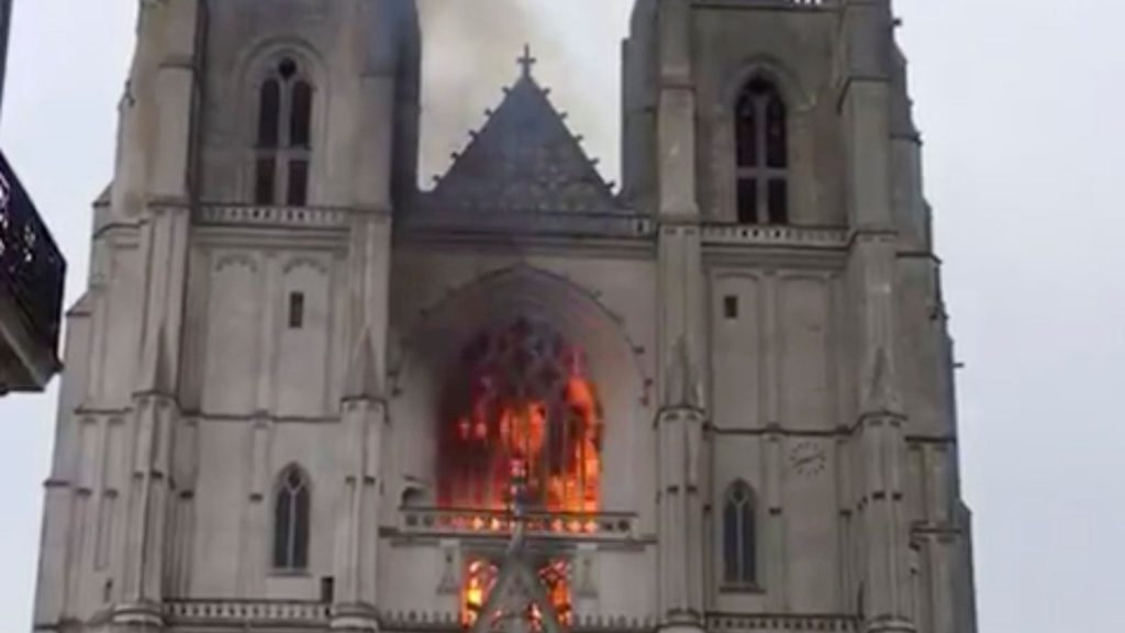 Nantes cathedral on fire: Flames lick 15th-Century facade | World News