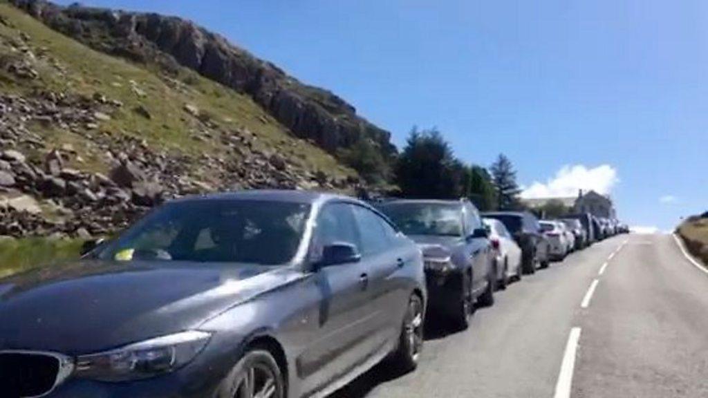 Snowdon: Dangerous parking at beauty spots put 'lives at risk'