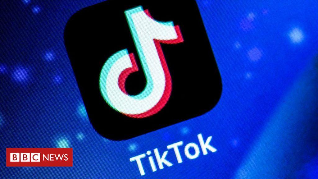 TikTok: Amazon says email asking staff to remove app 'sent in error'