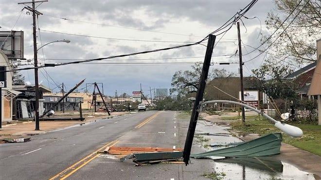 Trump visits Hurricane Laura storm damage in Texas, Louisiana