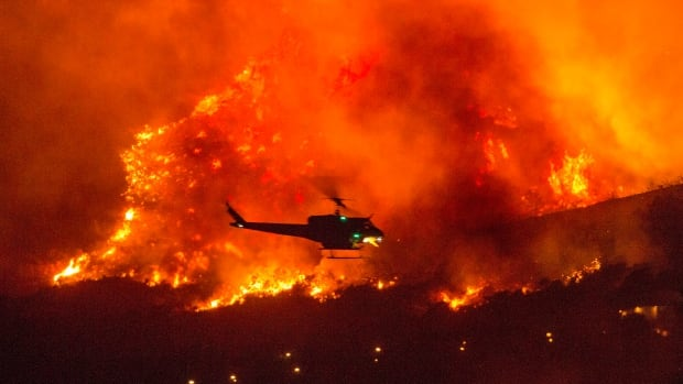 Hundreds of people traveled by plane in California as wildfires erupted
