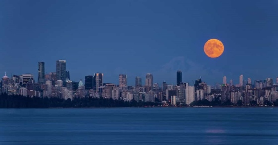 A spectacular 'Harvest Moon' is set to brighten up the Vancouver skies next week