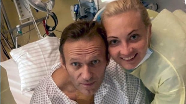 Alexei Navalny appeared with his family for the first time since the poisoning