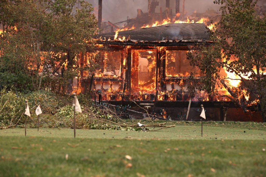 Dying winds give hope to firefighters;  Dozens of homes were destroyed - CBS Sacramento
