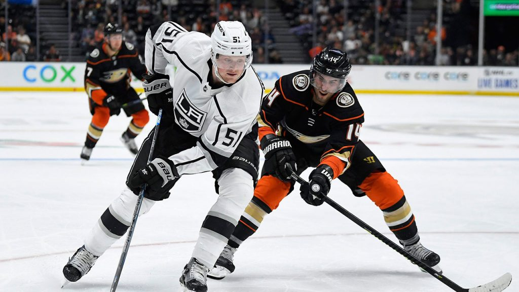 Kings have signed Austin Wagner to a three-year, $ 3.4M extension