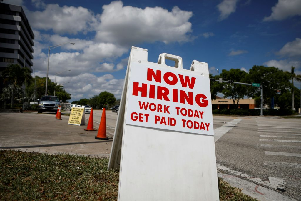 Private payrolls rise 428,000 but lose expectations, the ADP report said