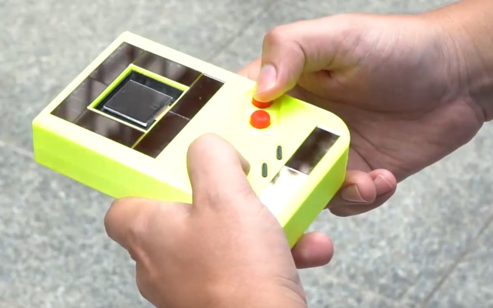 Researchers have created a game boy who does not need batteries