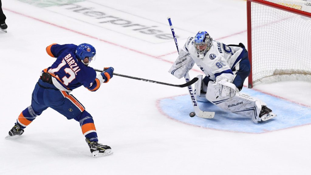 The rise of the islanders, the lightning during the break creates an unpredictable eastern finale