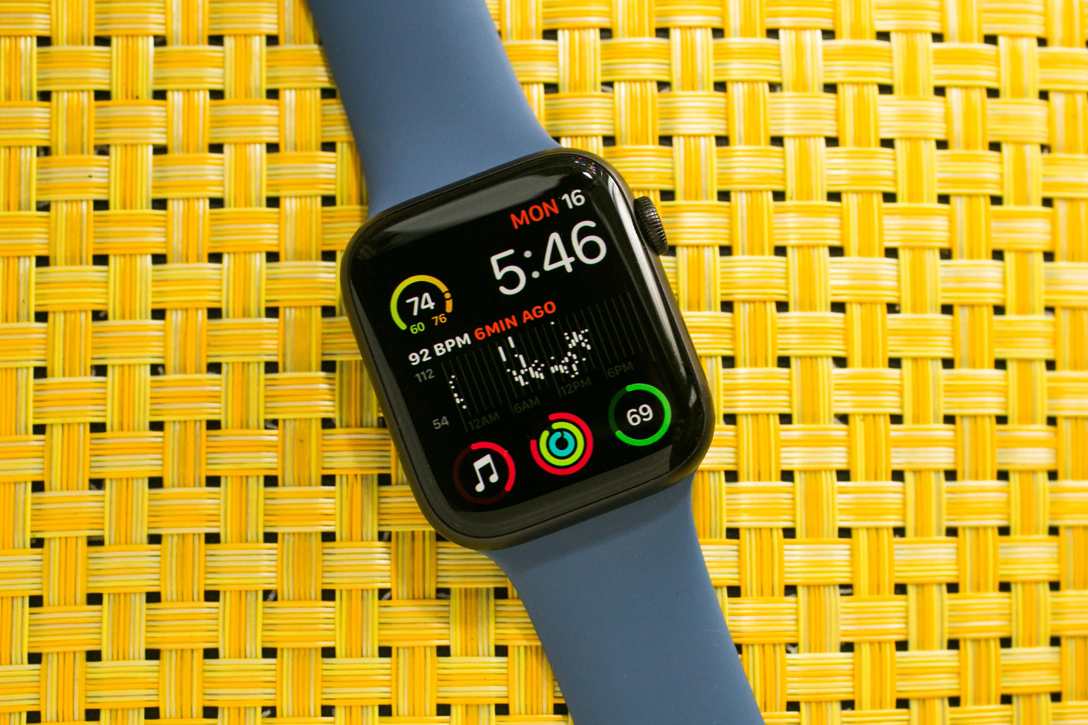 06-Apple-Watch-Series-5