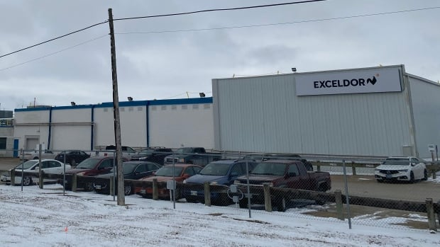 An employee of a Manitoba poultry plant dies after being tested positive for COVID-19