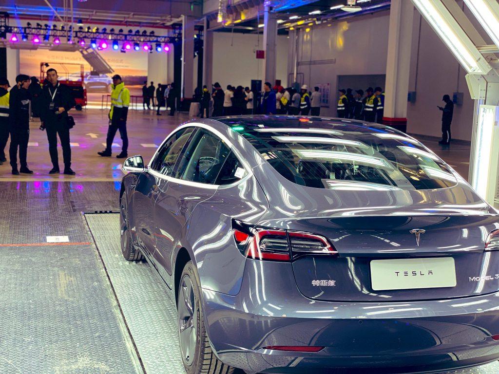 Tesla cites Chinese law on fake Model 3 price rumors
