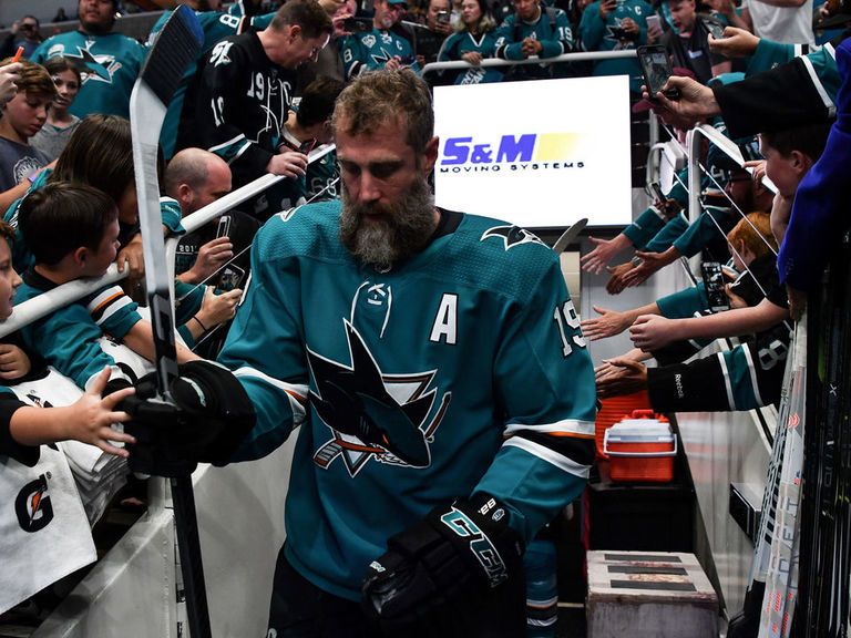 Thornton sends heartfelt messages after Sharks players sign with Leafs