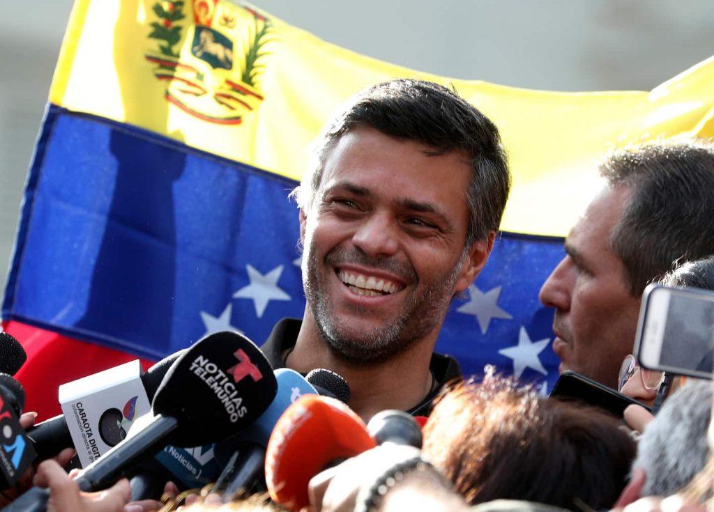 Venezuelan opposition leader Leopoldo Lopez flees to Colombia
