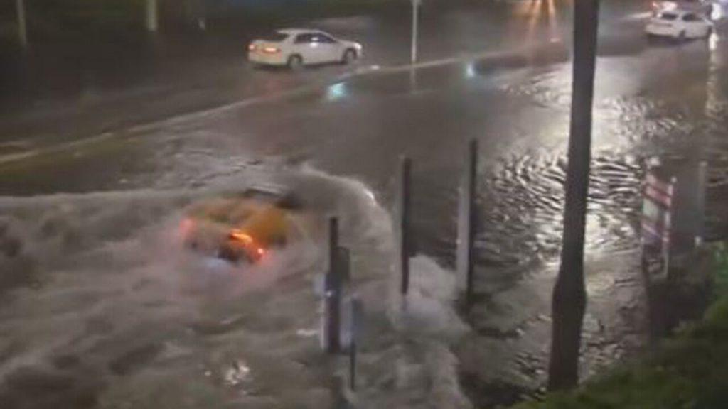 Tropical storm Eta turns Florida streets into rivers, Lamborghini identified as 'submarine'