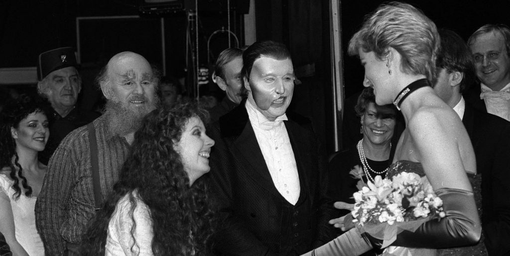 Did Princess Diana sing the Phantom of the Record Opera?