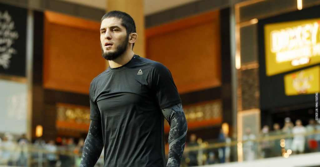 At the UFC Vegas 14 main event, Islam Makhachev called for the replacement of Raphael Das Anjos Michael Chandler.