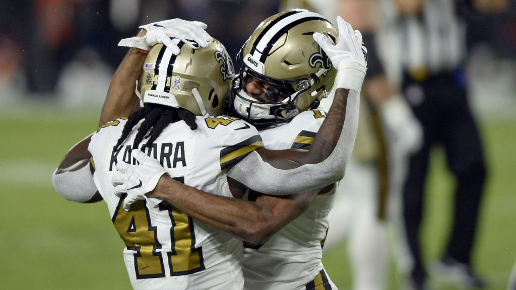 Breeze throws four touchdown passes, Saints Rout Brady, Buccaneers