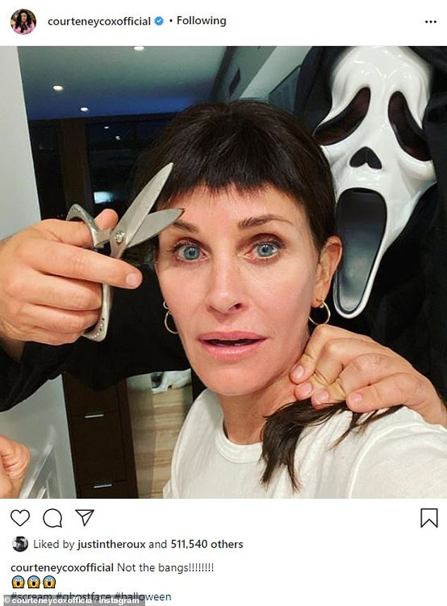'No Bangs!': Courtney Cox reminded me that this Saturday is Halloween by posting a fun picture from the shoot with people dressed as the villainist ghostface.