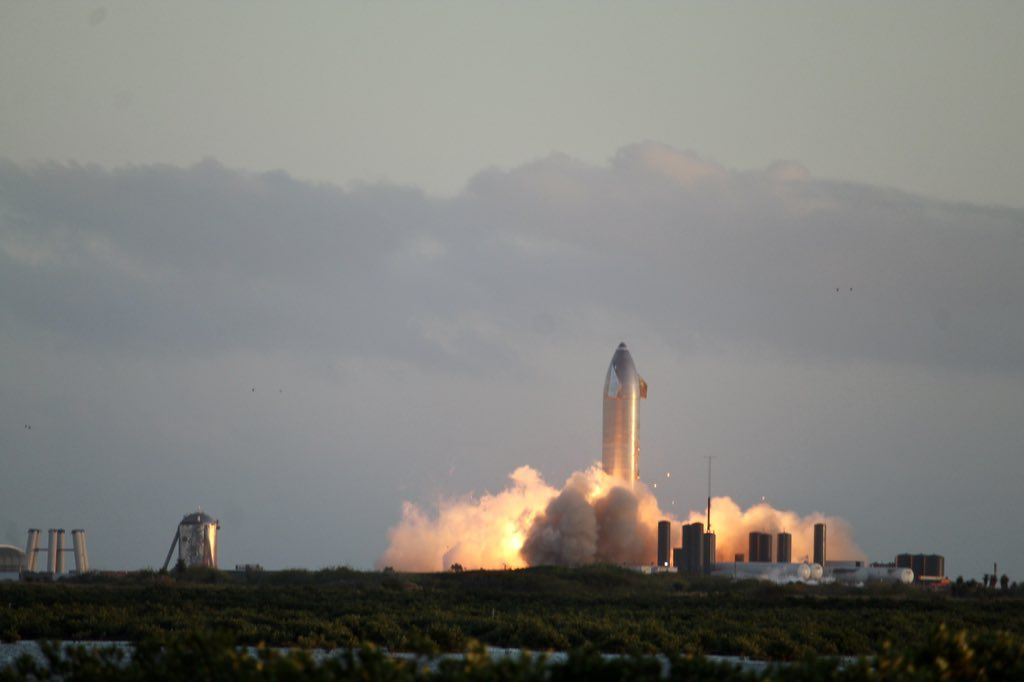 SpaceX's starship SN8 prototype burns engines ahead of test flight next week