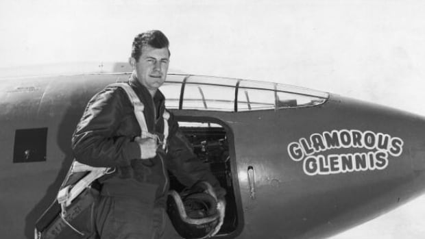 Chuck Yeager, ranked 1st to overcome the sound barrier, died at 97