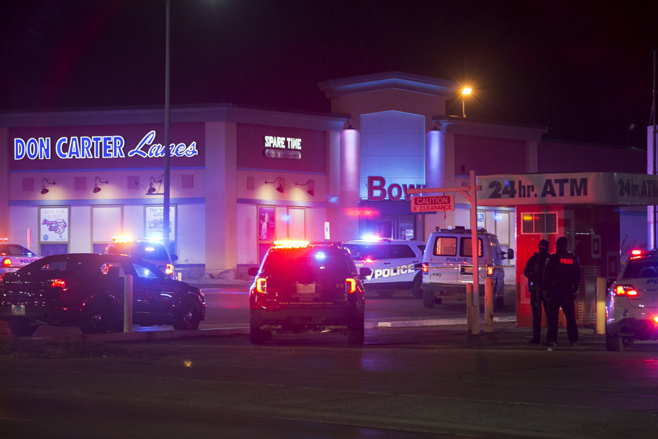 Shooting in Illinois    A soldier is accused of killing three people