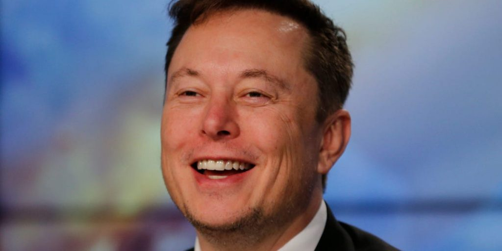 A former Tesla worker has to pay 000 400,000 for sharing secrets with the press